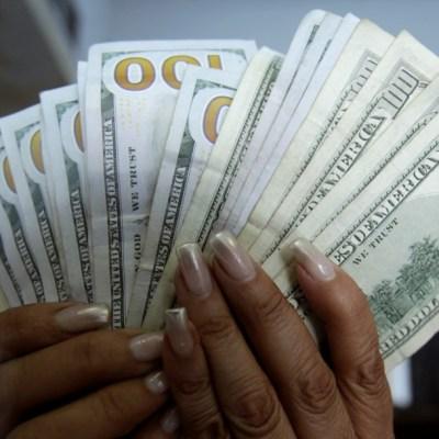 Anuncia AMLO acuerdo con banco para no cobrar comisiones por remesas