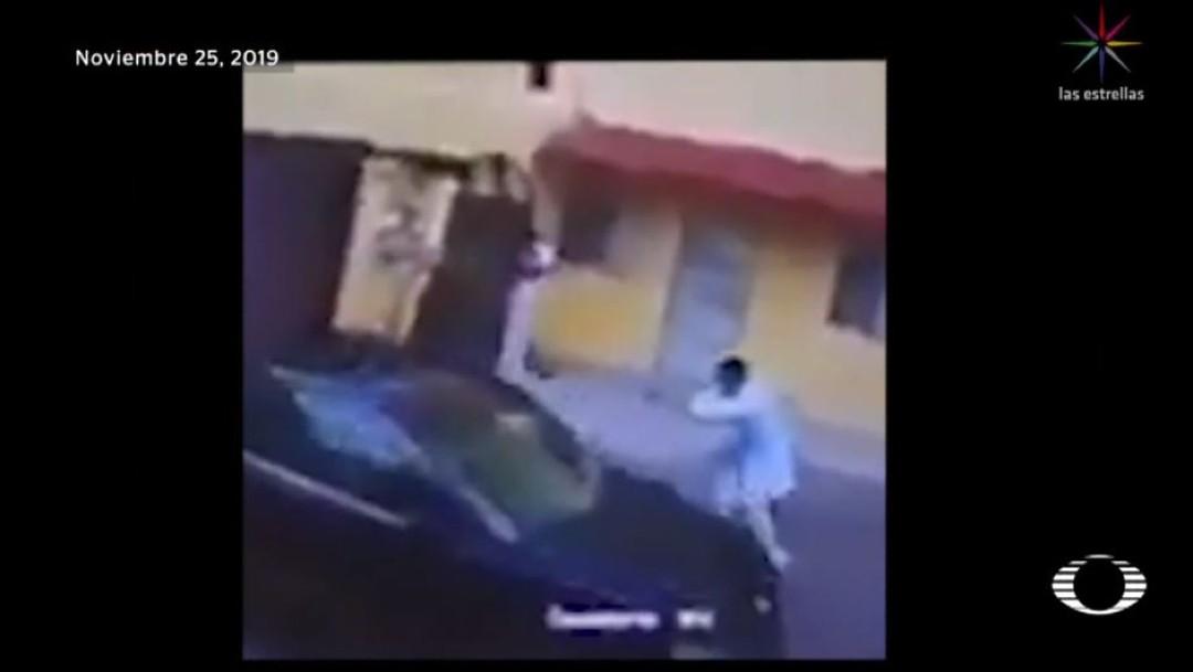 Foto: Dos hombres vestidos con batas y pantalones blancos que ya esperaban al funcionario dispararon en varias ocasiones; Víctor Manuel, hijo del funcionario resultó herido