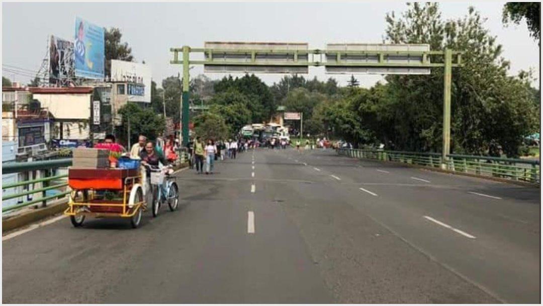 Imagen: Manifestantes se dirigirían a Vaqueritos para exigir apoyo de autoridades tras desaparición de bebé, 23 de noviembre de 2019 (Twitter)