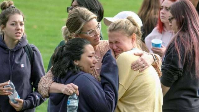 Foto: Un tiroteo en la escuela secundaria Saugus en Santa Clarita, California, deja varias víctimas, el 14 de noviembre de 2019 (AP)
