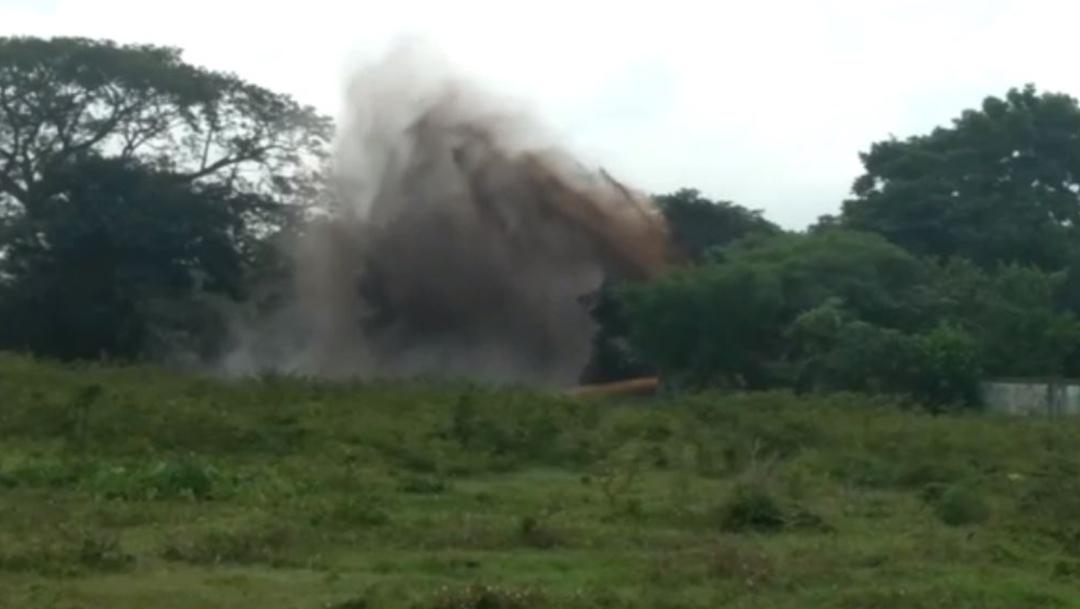 Foto: Controlan fuga de gas por toma clandestina, en Chiapas, 24 de noviembre de 2019, (Noticieros Televisa)
