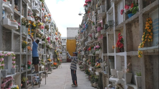 Imagen: La oferta de fosas en la Ciudad de México no ha crecido, capitalinos acuden cada vez más a los servicios crematorios
