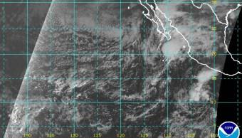 """FOTO Depresión tropical """"Veintiuno-E"""" afectaría costas de Guerrero (NOAA)"""