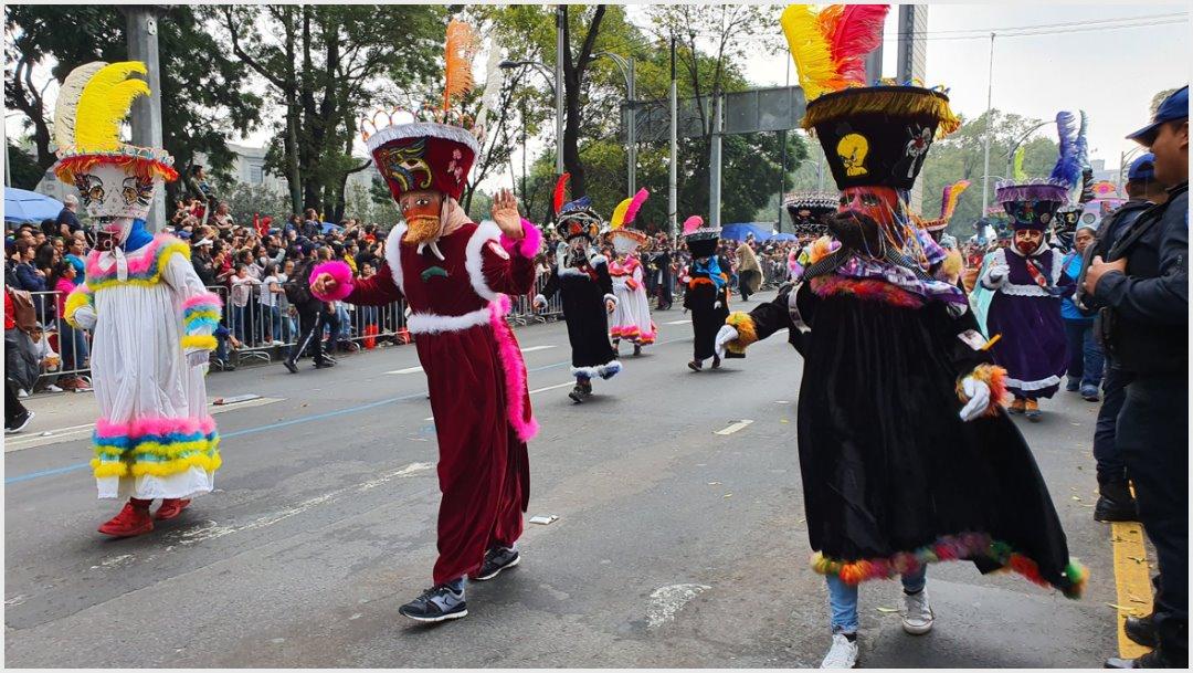Foto: Los tradicionales chinelos pusieron el ritmo al Mega Desfile de Día de Muertos, 2 de noviembre de 2019 (Secretaría de Cultura)