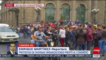 Diversas organizaciones protestan frente a Congreso CDMX