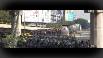FOTO Se desata enfrentamiento entre policías federales y de CDMX, frente al AICM (FOROtv)