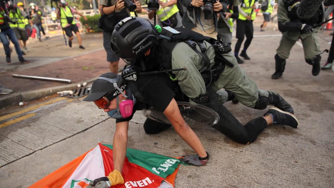 Foto: Enfrentamientos en Hong Kong llegan a la universidad