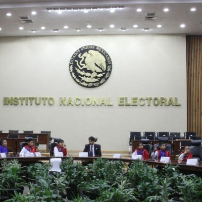 INE aprueba sanciones por 586 mdp a partidos políticos