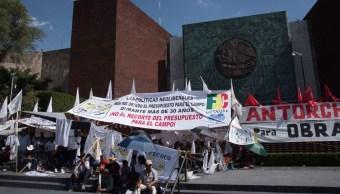 Foto: Plantón de campesinos en la Cámara de Diputados en la Ciudad de México. Cuartoscuro