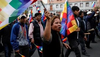 Foto: Miles de bolivianos protestan en las calles de La Paz. Reuters
