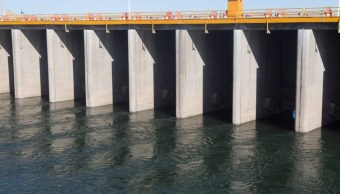 Foto: Garantiza AMLO no privatizar agua; pide revisar legislación en estados