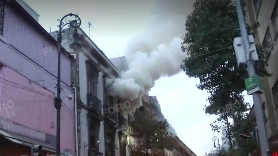 FOTO Incendio en Centro Histórico CDMX provoca desalojo de 150 personas (S.Servín)