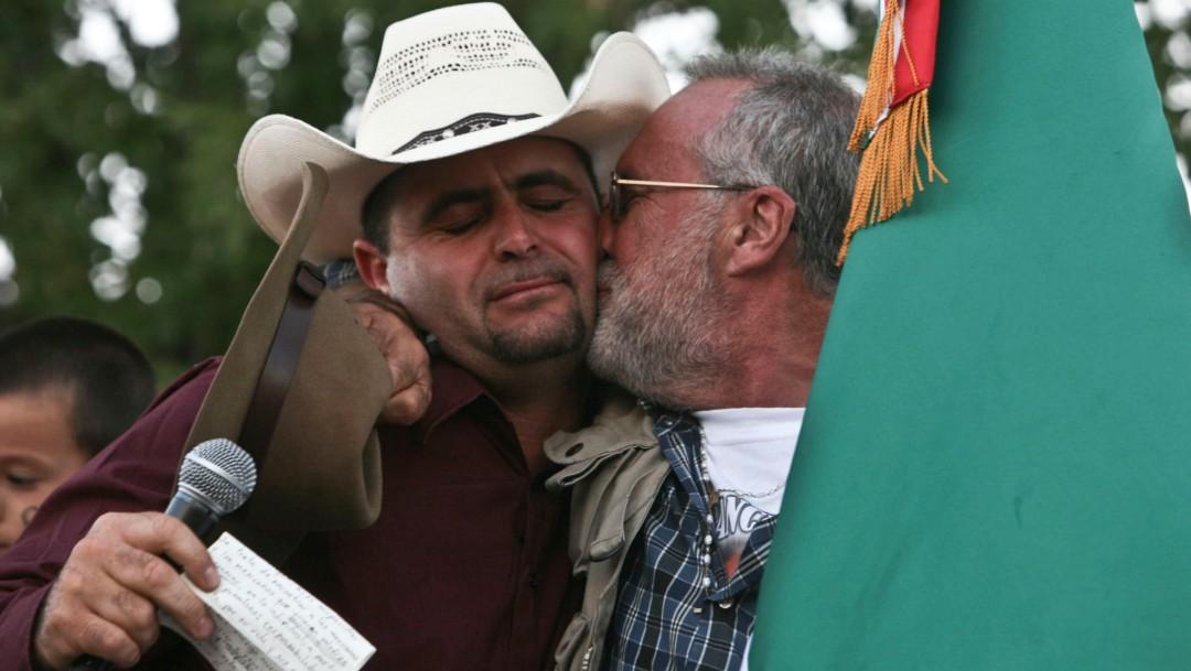 FOTO Sicilia envía carta a Julián LeBarón y cuestiona seguridad