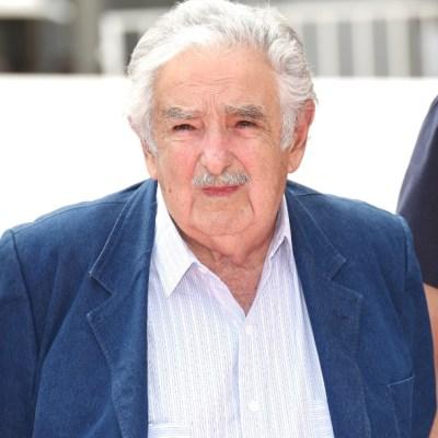 Mujica pide a Jeanine Añez