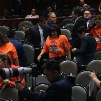 Diputados avalan 'Ley Olimpia' que castiga violencia digital a mujeres