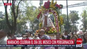 Mariachis peregrinan en CDMX para celebrar Día del Músico