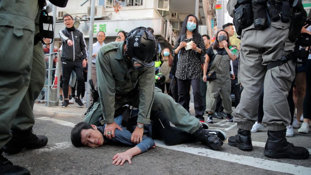 Foto: Policía de Hong Kong hiere de gravedad a manifestante; se intensifica violencia