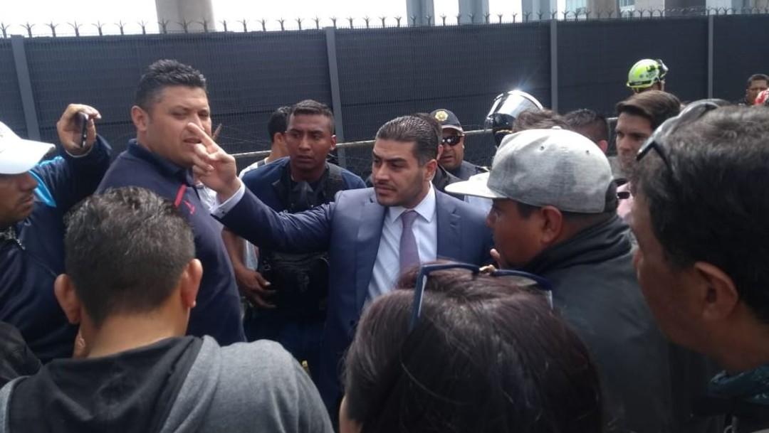 Foto: Omar García Harfuch, el secretario de Seguridad Ciudadana de CDMX, se presentó en el lugar para dialogar con los inconformes, el 12 de noviembre de 2019 (Samuel Servín)