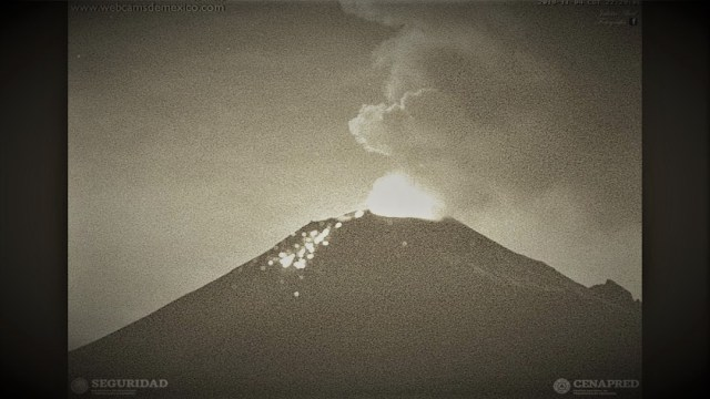 Popocatépetl explosivo; genera columna eruptiva con ceniza
