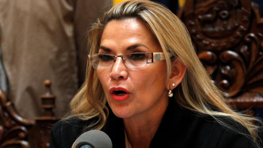 """Imagen: El proyecto de ley fue presentado en la Cámara de Senadores por Sonia Chiri, senadora indígena quechua del MAS, para prohibir """"aprehensiones y procesos judiciales"""" contra Morales, 23 de noviembre de 2019 (AP)"""