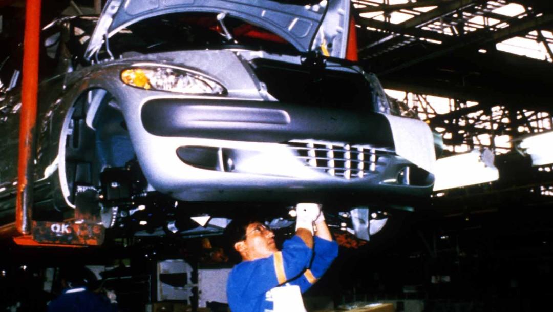 Foto: Producción y exportación de autos México se desploman en octubre, 22 de abril de 2001