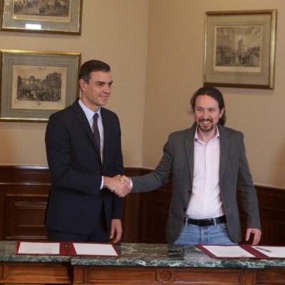 PSOE y Podemos firman acuerdo para formar Gobierno en España