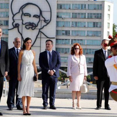 Presidente de Cuba recibe a los reyes de España en La Habana