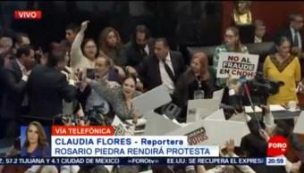 FOTO: Rosario Piedra rinde protesta en medio de empujones y jaloneos, 12 noviembre 2019