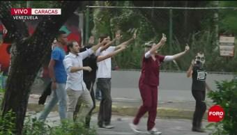 Se enfrentan estudiantes con policías en Caracas, Venezuela