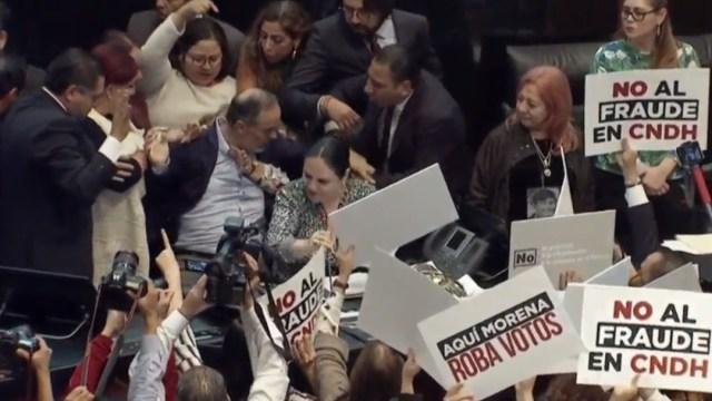 Foto: Senadora Fernández no denunciará agresiones durante protesta de Rosario Piedra, 12 de noviembre de 2019