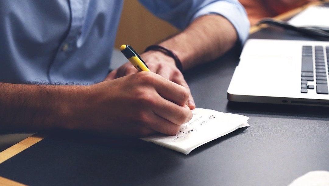 Buscar-trabajo-Linked-In-Facebook-Freelancer