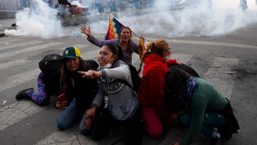 Foto:Unos 20 exfuncionarios bolivianos asilados en embajada mexicana, dice canciller
