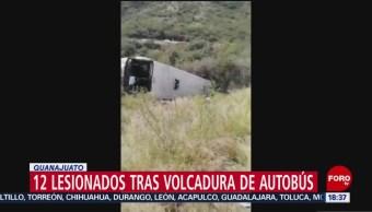 FOTO: Volcadura autobús deja 12 lesionados Guanajuato