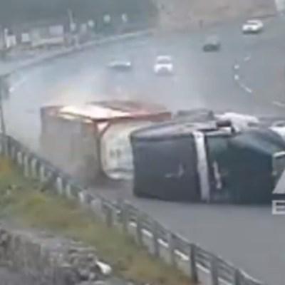 Video: Volcadura de tráiler en autopista México-Toluca