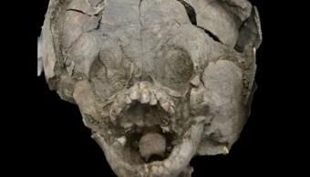 Foto: Descubren cabezas de bebés envueltas con cráneos de niños mayores, 21 de noviembre de 2019 (Sara Juengst)