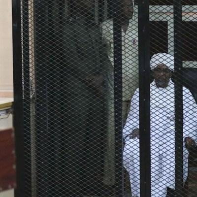 Foto: Un tribunal de Jartum condenó al expresidente sudanés Omar al Bashir, 14 diciembre 2019