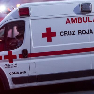 Automovilista atropella a varias personas en puesto de hamburguesas en CDMX