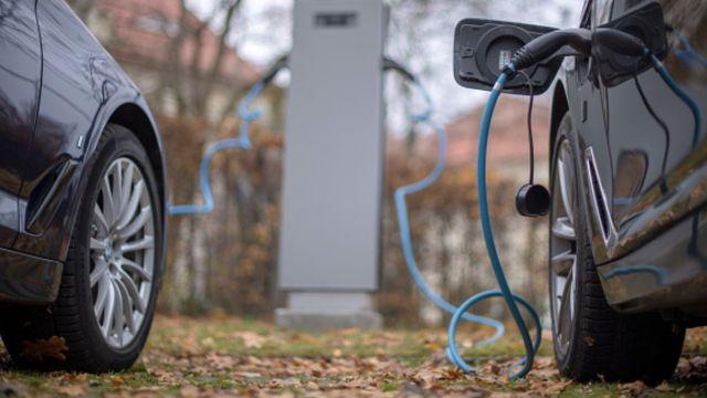 Autos eléctricos.