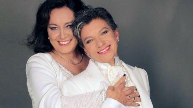 Alcaldesa electa de Bogotá se casa con su novia.