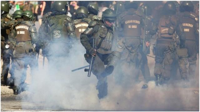 Imagen: Procesan a policía que atropelló a manifestante en Chile, 21 de diciembre de 2019 (EFE)