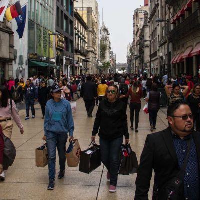 Fin de inseguridad y pobreza, milagros anhelados por mexicanos para Navidad