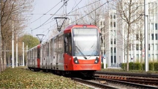 FOTO: Controlan tranvía en Alemania tras desmayo del conductor, el 23 de diciembre de 2019