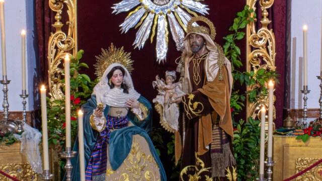 Regalan al papa Nacimiento en que la Virgen descansa y José atiende al niño Jesús, 18 de diciembre de 2019, (Twitter @Hdad_Redencion)