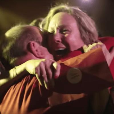 Video: Jefe sorprende a sus empleados con bono navideño de US$10 millones