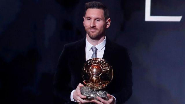 Foto: Lionel Messi recibe su sexto Balón de Oro. Reuters