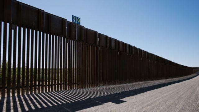 Foto: Valla fronteriza entre México y Estados Unidos. Getty Images