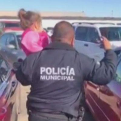 VIDEO: Rescatan a niña encerrada en un auto en Mexicali