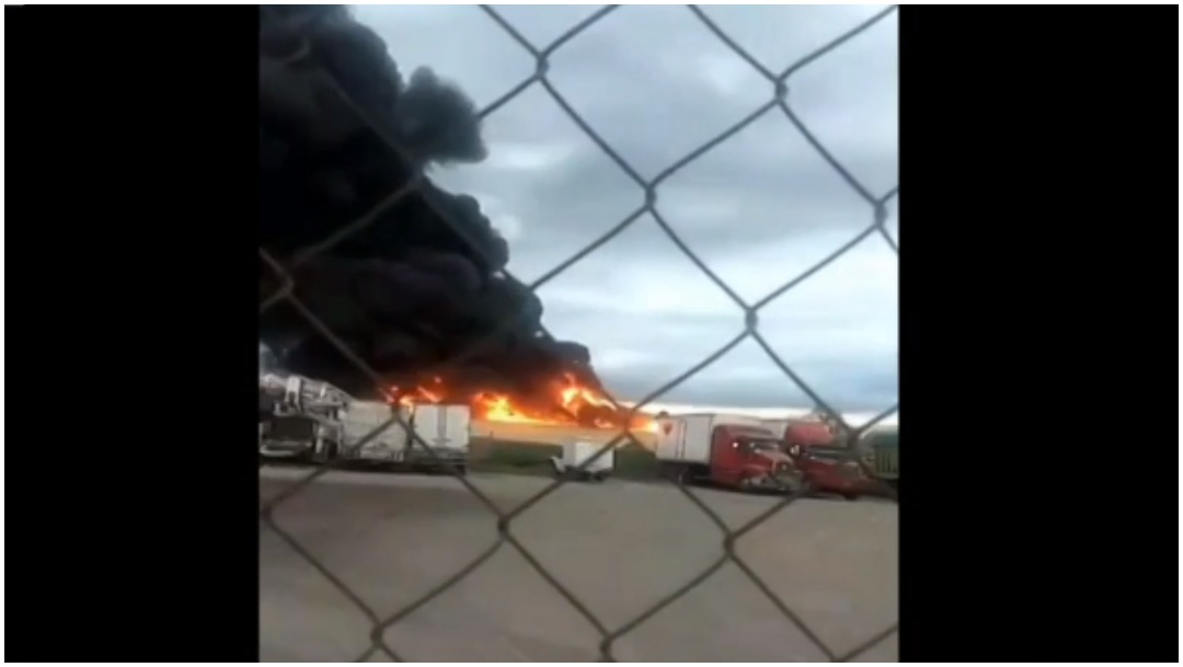 Foto: Se registra un incendio en fábrica de plásticos del Estado de México, 29 de diciembre de 2019 (Foro TV)