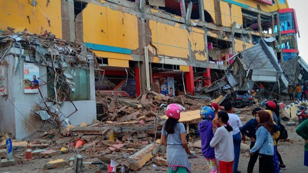 Un terremoto con magnitud de 7.5 sacudió la isla Célebs, en Indonesia. (Reuters)
