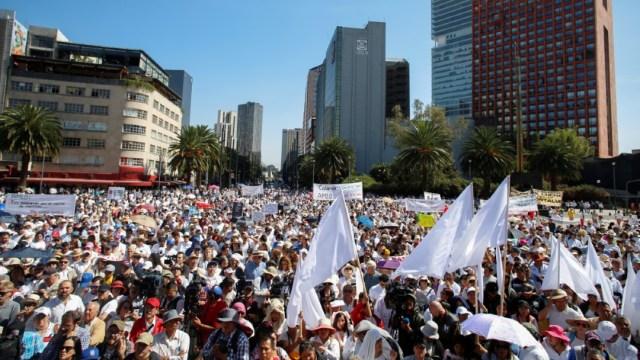 Foto: Miles de personas que se oponen al gobierno de AMLO protestan en la CDMX, el 1 de diciembre de 2019. (Reuters)